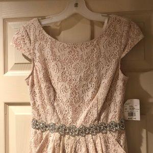 Bridesmaid dress David's Bridal size 4 unworn